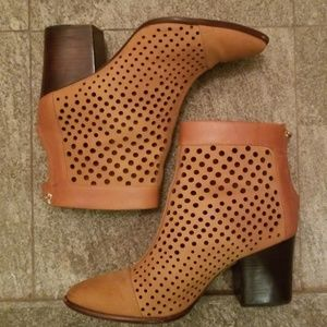 REBECCA MINKOFF leather ankle boots camel beige